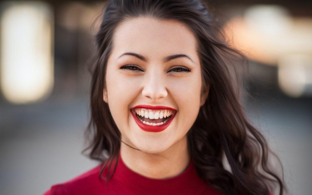 Retrouver le sourire grâce à la chirurgie esthétique dentaire